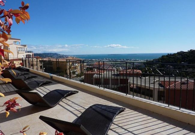 Apartment in Mandelieu-la-Napoule - HSUD0570
