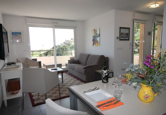 Apartment in Mandelieu-la-Napoule - HSUD0205